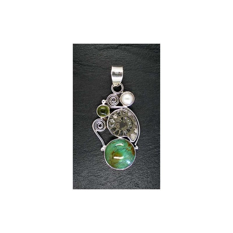 Türkisanhänger mit Ammonit, Perle und Idokras
