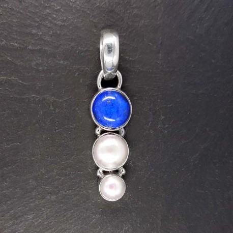 Anhänger mit Lapis Lazuli und 2 Süsswasserperlen