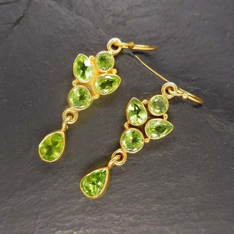 Peridot Ohrringe Blume vergoldet