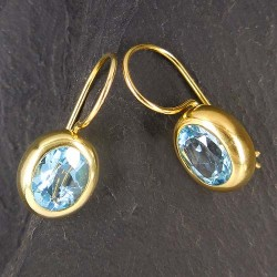 Ohrringe, vergoldet mit Blautopas