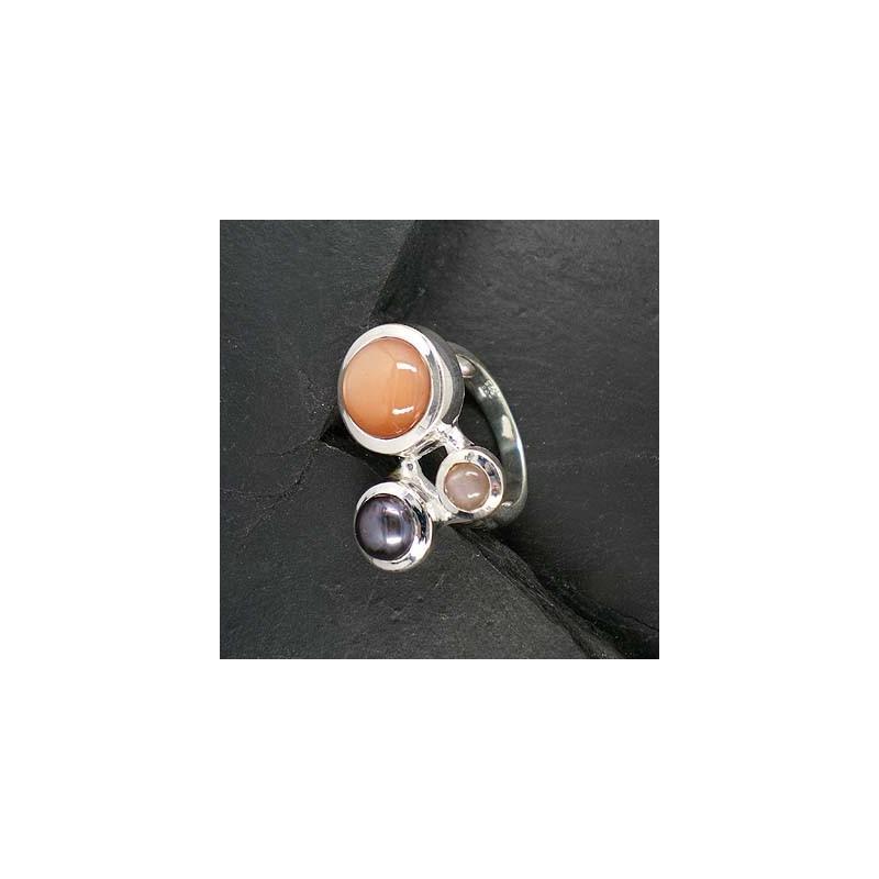 Rosa Mondstein-Ring mit grauer Perle