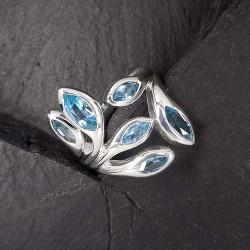 Ring mit Blautopas (TRML)
