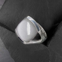 Grauer Mondstein Ring eckig