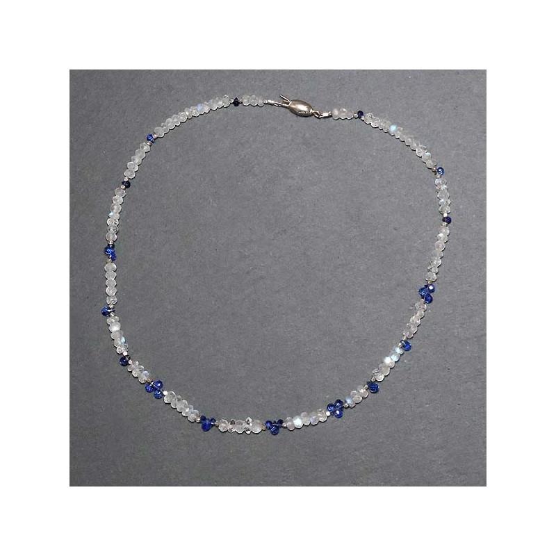 Mondsteinkette mit Iolit, Herkimerdiamant und Silberperlen