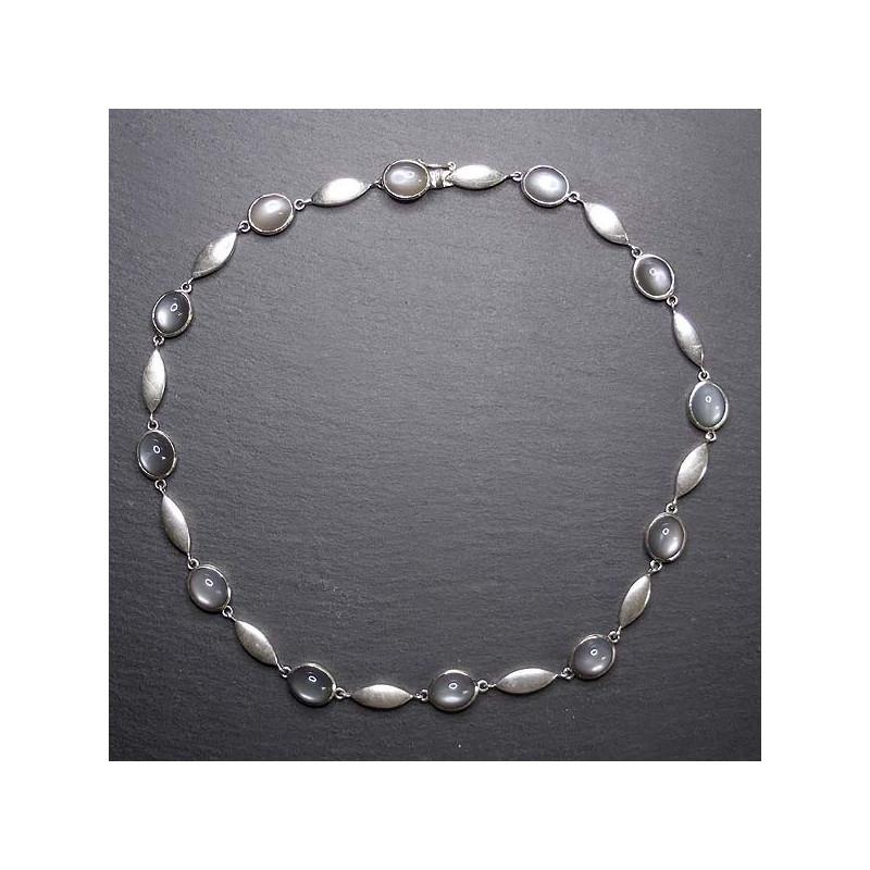 Silbercollier mit grauem Mondstein