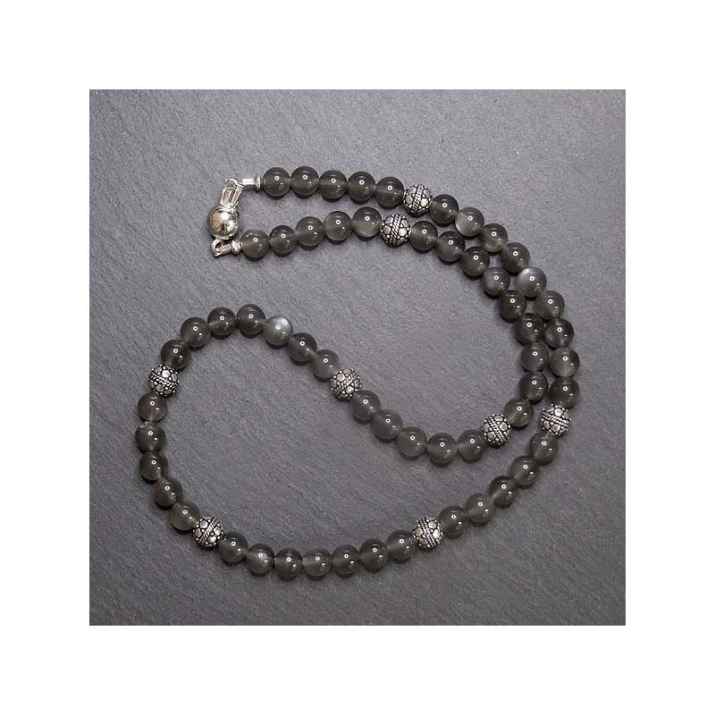 Graue Mondsteinkette mit Silberperlen
