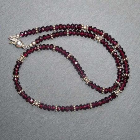 Granatkette mit Silberperlen
