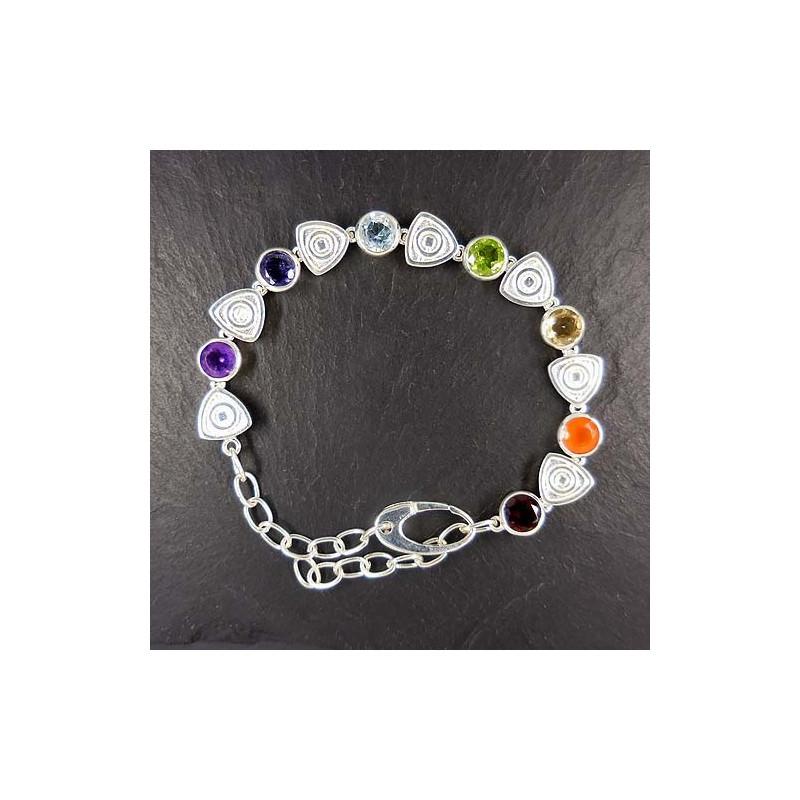 Armband mit Granat, Karneol, Citrin, Peridot, Blautopas, Iolit und Amethyst