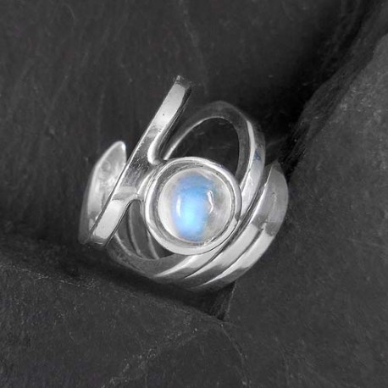 Mondstein Ring rund