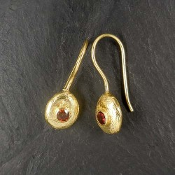 Granat Ohrringe matt vergoldet