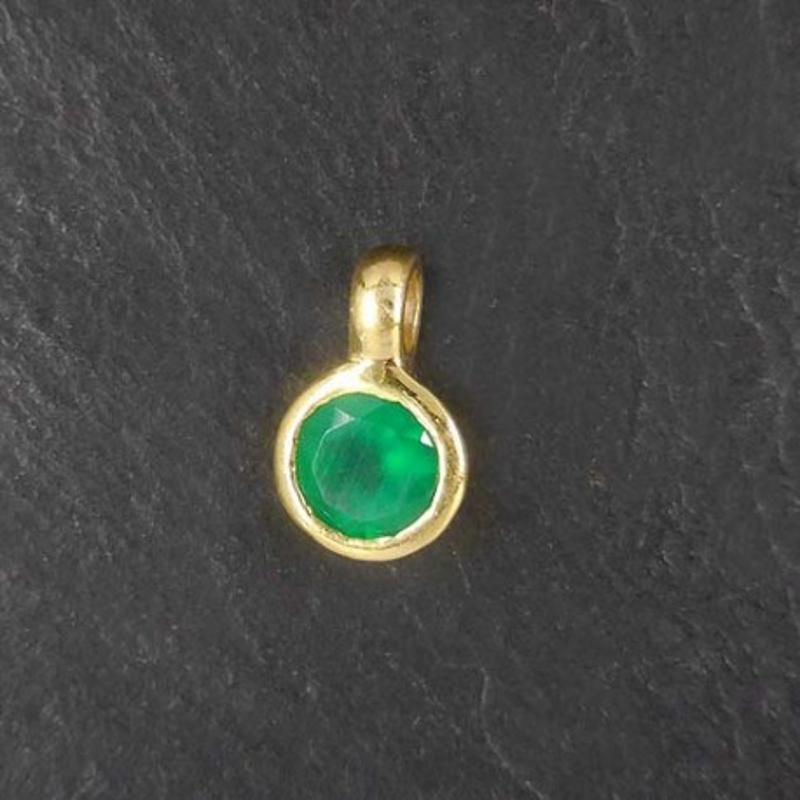 Grüner Achat Anhänger Mini vergoldet