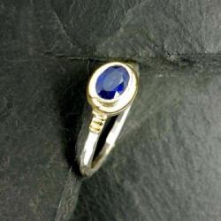 Saphir Ring mit Gold