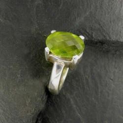 Peridot Ring Facettiert
