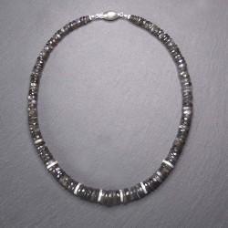 Graue Mondsteinkette mit Silber