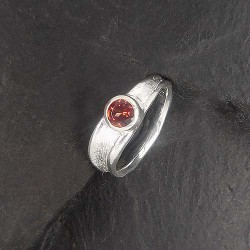 Granat Ring Rund