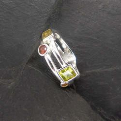 Peridot Ring mit Granat, Citrin und Rauchquarz