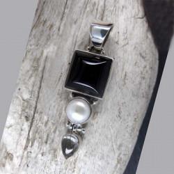 Onyx Anhänger mit Perle und Turmalinquarz