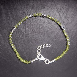Peridot Armband mit Silberperlen