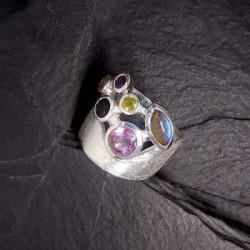 Amethyst Ring mit Labradorit, Onyx und Peridot